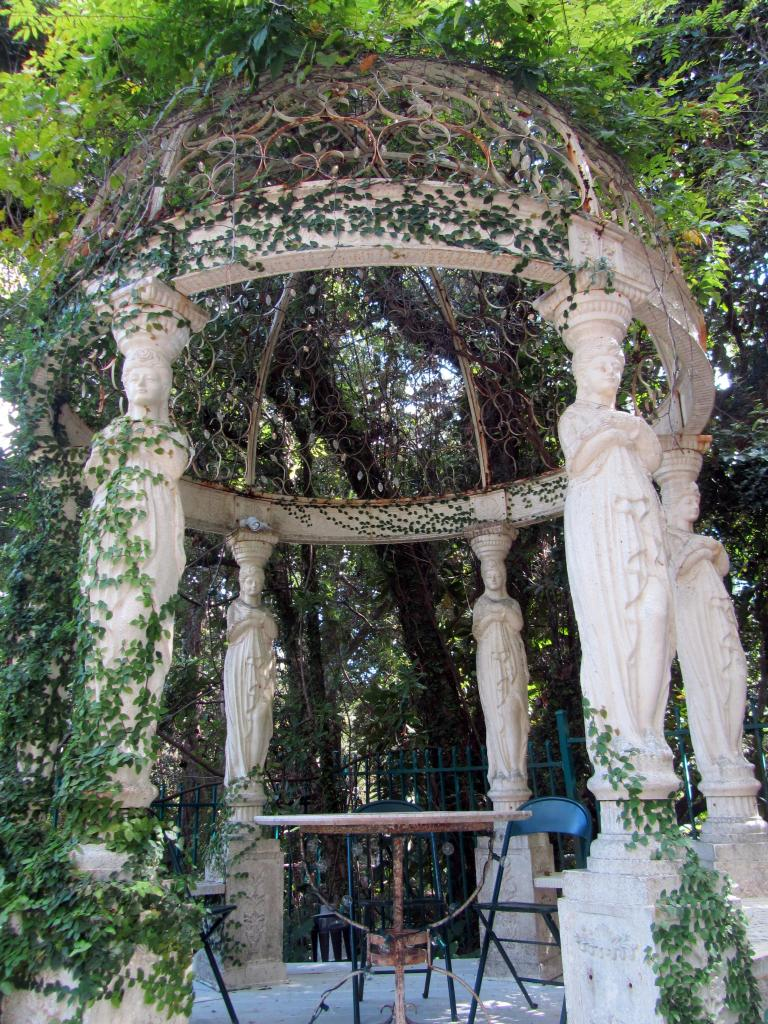 Garden at Monet Monet