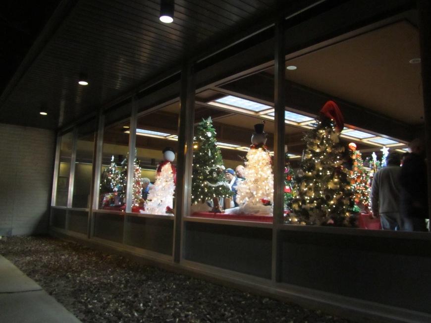Chinook Christmas Stroll